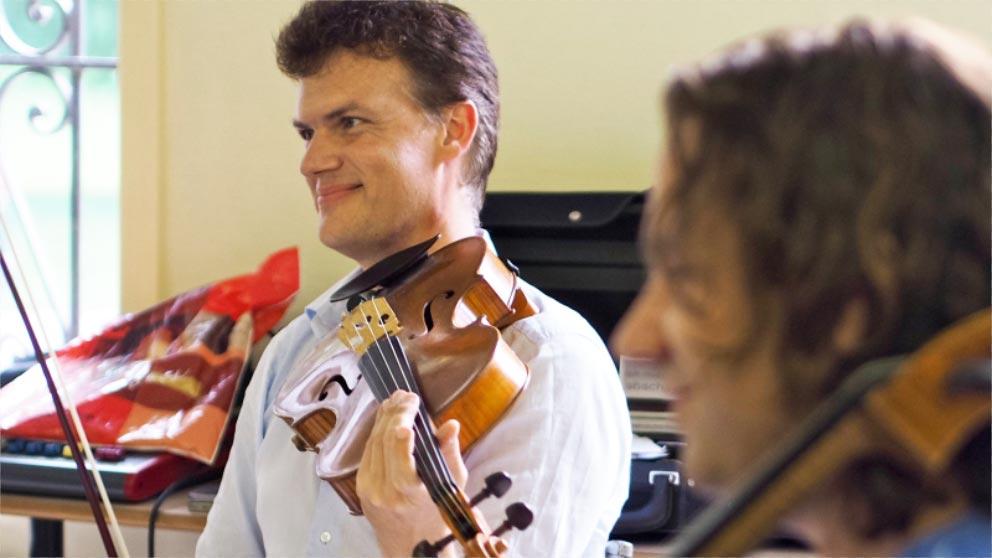 Prof. Roland Glassl (Viola) Konzert 2 Datum N.N.